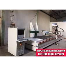 Máy CNC khoan cắt 2 mặt bàn FUNING - FK7501